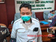 Universitas Lampung (Unila) tetap akan melaksanakan Kuliah BK-KKN Unila Muhammad Basri memberikan keterangan pers tentang kesiapan KKN Unila. Foto: Teraslampung.com